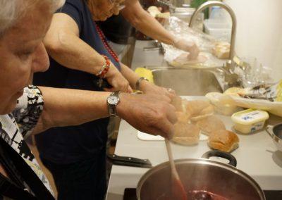 Ria, An en Carla in de keuken van OG